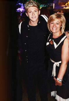 Awh Niall and Maura :)