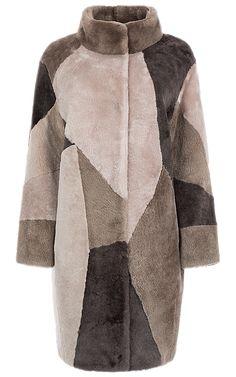 Пальто из овчины, утепленное синтепоном Shearling Coat, Fur Coat, Fur Accessories, Sheepskin Coat, Fake Fur, Russian Fashion, Fur Jacket, Winter Coat, Stylish Outfits
