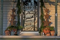 Natural Outdoor Holiday Decor