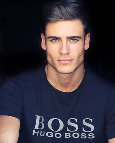 how to get a strong chin and jawline lose double chin face Beautiful Men Faces, Gorgeous Eyes, Handsome Faces, Handsome Boys, Spanish Men, Mode Masculine, Jawline, Pretty Men, Male Face