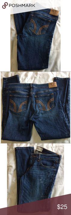 "Women's Hollister Skinny Jeans Women's Hollister Skinny Jeans. Floral design on legs. Five pockets. Size 7.  Waist 28. Rise 7 1/2"". Inseam 26"". Hollister Jeans Skinny"