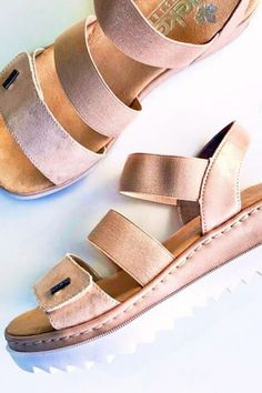 Summer Sandals For Everyday has never been so Modest! Since the beginning of the year many girls were looking for our Brilliant guide and it is finally got released. Now It Is Time To Take Action! See how... #shoes #womenshoes #footwear #shoestrends Summer Sandals, Summer Shoes, Pretty Shoes, Cute Shoes, Ladies Shoes, Shoes Women, Shoe Boots, Shoes Heels, Fashion Shoes