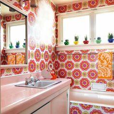 "2,327 Likes, 33 Comments - Unique boutique of cuteness (@vinnieboyvintage) on Instagram: "" by @nzhouseandgarden #bathroomgoals #vintagegoals #nanachic #kitsch #love #pink #vintagebathroom…"""