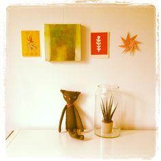 Origami on the wall at diydiyblogi & painting by Riikka Soininen