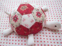 hexagon turtle pincushion - so cute! AUNTIE'S QUAINT QUILTS
