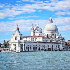 Punta della Dogana e Basilica di Santa Maria della Salute, Venezia