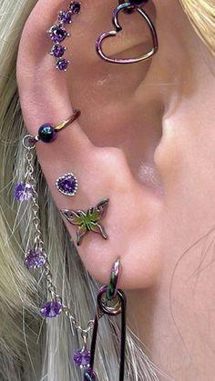 Jewelry Tattoo, Ear Jewelry, Cute Jewelry, Body Jewelry, Jewelery, Jewelry Accessories, Pretty Ear Piercings, Different Ear Piercings, Ear Peircings