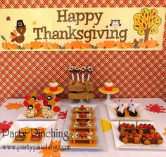 Thanksgiving Party Table #thanksgiving #partytable