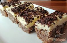 Fast nut cake from an egg Top-Rezepte.de - Simple, quick and cheap: this dessert is definitely worth trying! I love cupcake recipes because yo - Mini Desserts, No Egg Desserts, Quick Easy Desserts, Easy Cake Recipes, Fall Desserts, Cupcake Recipes, Fall Recipes, Giraffe Cakes, Almond Milk