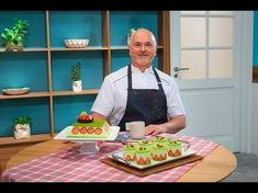 Video tutorial: Macarons paso a paso Oswaldo Gross, Beach Sketches, Amc Networks, Cooking Tv, Anna Olson, Puff Pastry Dough, Decadent Cakes, Strip Steak, Daiquiri