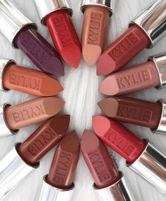 Labiales de kylie  Jenner Kiss Makeup, Love Makeup, Makeup Inspo, Makeup Inspiration, Beauty Makeup, Makeup Termékek, Kylie Jenner Lipstick, Kylie Jenner Makeup, Lipstick Shades