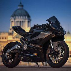 """motorcycles-and-more: """"Ducati 899 Panigale """" Triumph Motorcycles, Cool Motorcycles, Moto Bike, Motorcycle Bike, Ducati Custom, Carros Lamborghini, Soichiro Honda, Custom Sport Bikes, Custom Street Bikes"""