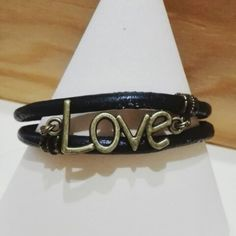 #handmade #bijoux #fattoconamore #bracelet #fattoamano #bracelet #love #loveme #leather #women #barbarariccicreations #artigianato #love #accessorize #creation #novità #workinprogress #handmadecreations #madeinitaly  Facebook : https://goo.gl/6cWLoj http://goo.gl/9zIesB