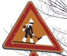Panneau travaux détourné : #panneau #travaux #detourne #route #signalisation #humour #voiture #neige #panel #trafficsign #road #car #chainesbox
