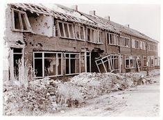 De Sleedoornlaan in Malburgen-West in 1945, kort na de bevrijding.