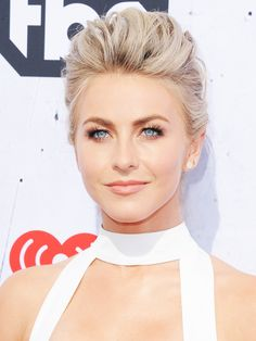 The 7 Best Beauty Looks at This Year's iHeartRadio Music Awards via @ByrdieBeauty