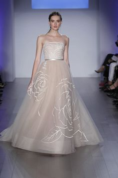 8500 gown from the 2015 Jim Hjelm collection, as seen on Bride.Canada