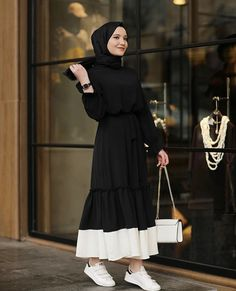 Hijab styles 432556739210006099 - Latest Abaya Designs Source by gallioina Modest Fashion Hijab, Hijab Style Dress, Modern Hijab Fashion, Street Hijab Fashion, Hijab Fashion Inspiration, Abaya Fashion, Hijab Outfit, Muslim Fashion, Mode Inspiration