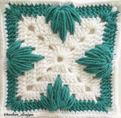 Crochet Border Patterns, Crochet Flower Squares, Crochet Bedspread Pattern, Crochet Motifs, Granny Square Crochet Pattern, Crochet Mandala, Crochet Art, Crochet Designs, Crochet Crafts