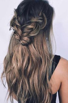 Bohemian hairstyles are worth mastering because they are creative, pretty and so wild. We have a super hairstyles for bohemian look that you can master every day and to any music festival. #bohohair #bohemianhair #longhairstyles