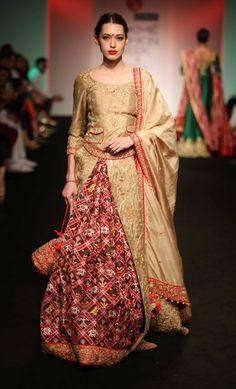 Bridal Lehenga inspiration from Lakme Fashion Week this Summer India Fashion Week, Lakme Fashion Week, Asian Fashion, Fashion Weeks, Women's Fashion, Indian Dresses, Indian Outfits, Indian Clothes, Anarkali
