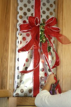 decorate/wrap a kitchen cabinet for christmas