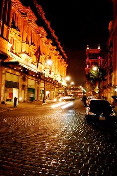 Centro historico, Mexico DF  Calle 5 de Febrero...  viva dia y noche, 6 meses te vivimos!