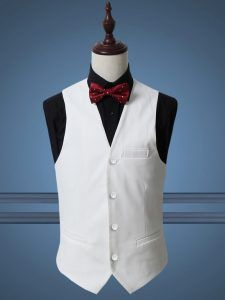 We at Manhattan Bespoke Custom Tailor the premium Bespoke Tailors in Hong Kong make you a head turner at every party and social gathering with our selection of bespoke fashion outfits such as suits, shirts, trousers, waistcoats, topcoats, overcoats, trench coats, blazers.
