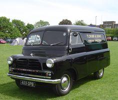 Vintage Vans, Vintage Trucks, Old Trucks, Classic Trucks, Classic Cars, Bedford Truck, Van Car, Old Commercials, Day Van