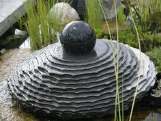 """Fontanna ogrodowa """"Spodek Ufo granitowy"""" inkrustowany :: Extrahome"""