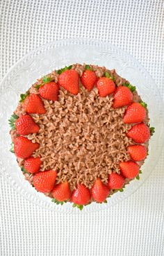 Nutella-Strawberry cake | Foodaffair Nutella, Strawberry, Favorite Recipes, Sweets, Candy, Fruit, Blog, Gummi Candy, Strawberry Fruit