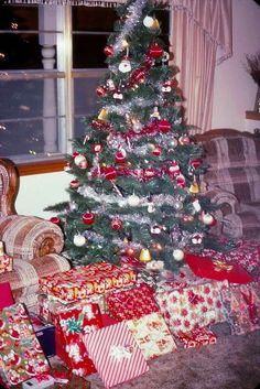 Fraggle Rock Established 1983  Wood Christmas Tree Ornament