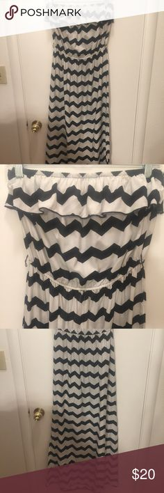 PRICE DROP TODAY ONLY!Strapless Maxi Chevron Dress So cute!!! Black & White Chevron Maxi dress. Cute ruffle on top. Jr size Large. Fits medium. Charlotte Russe Dresses Maxi