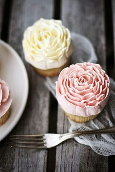 Peony Cupcakes done with a flat icing tip