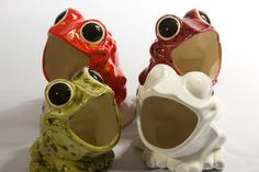 Vintage Ceramic Frog. Need it for herbs!