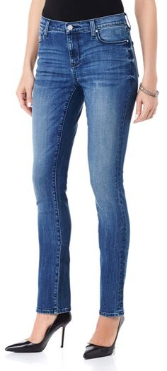 Not just for skinny girls, DKNY's Soho skinny jean is the must-have silhouette for women of all shapes and sizes! Defined by a modern fit with a slimmer leg, this jean offers a chic foundation for long tops and slouchy sweaters and tucks neatly into boots! They're surprisingly comfortable to wear, and the mid rise provides plenty of coverage!