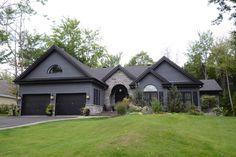 Photo principale Condo, Photos, Cabin, House Styles, Home Decor, Real Estate Broker, Homes, Pictures, Decoration Home