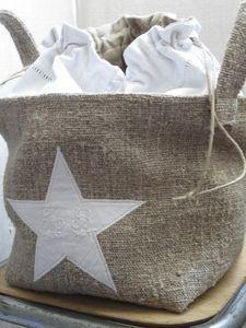 linen bag made of burlap. Sewing Hacks, Sewing Crafts, Sewing Projects, Alpillera Ideas, Diy Sac, Diy Couture, Ideias Diy, Burlap Crafts, Linens And Lace