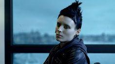 """David Fincher alle prese con un best seller di Stieg Larsson. """"The Girl with the Dragon Tattoo"""", primo episodio della trilogia """"Millenium"""", è un un esercizio di stile che è difficile non definire perfetto. Visioni sofisticate, approfondimento psicologico e colonna sonora adeguata."""