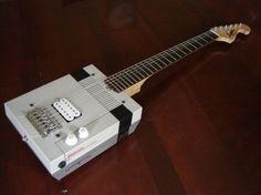 Modding estremo: chitarra elettrica ricavata da un NES