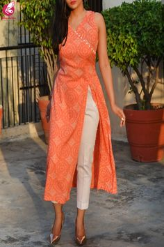 Orange & White Printed Modal Rayon Kurti with White Cotton Silk Pants Simple Kurta Designs, Silk Kurti Designs, Kurta Designs Women, Kurti Designs Party Wear, Salwar Designs, Indian Fashion Dresses, Dress Indian Style, Indian Designer Outfits, Sleeves Designs For Dresses