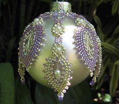 "Beads ""Christmas Ordiments"" on Handmade Christmas Decorations, Christmas Ornaments To Make, Christmas Bulbs, Beaded Ornament Covers, Beaded Ornaments, Ornament Tutorial, Beaded Crafts, Making Ideas, Diy"