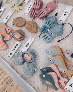 Ayer fue un día genial, mil … Everything is ready for the second day of Festivalet ? Cute Crafts, Diy And Crafts, Arts And Crafts, Sewing Toys, Sewing Crafts, Don Fisher, Fabric Fish, Craft Projects, Sewing Projects