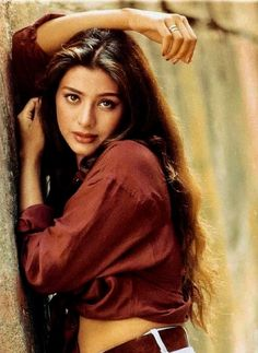 Struggling actors, ambitious filmmakers, creative authors and even those who have been given everything on a platter. Bollywood is not just a film industry. Most Beautiful Indian Actress, Beautiful Asian Girls, Beautiful People, Actress Anushka, Bollywood Actress, Indian Film Actress, Indian Actresses, 80s Actresses, Tabu