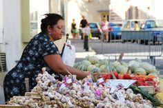 2013-09-03: selling garlic