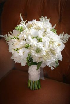 Elegant but not overly structured wedding bouquet