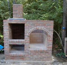 Brick vertical smoker Outdoor Smoker, Outdoor Brick Pizza Oven, Outdoor Barbeque, Brick Grill, Outdoor Fire, Barbeque Design, Diy Smoker, Camping Bbq, Pizza Ovens