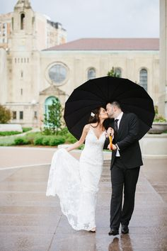 Photography: Kina Wicks Photography   Kinawicks.com   View more: http://stylemepretty.com/vault/gallery/15537