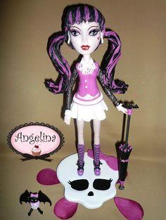 Angelina Creaciones: Monster High: Draculaura... Adorno de torta en porcelana fría!