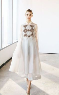 DELPOZO Fall/Winter New York Fashion Week. New York Fashion, Runway Fashion, Trendy Fashion, High Fashion, Fashion Show, Womens Fashion, Fashion Design, Fashion Trends, Dress Fashion